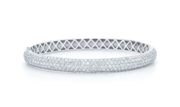 Hard gold bracelets with moissanite