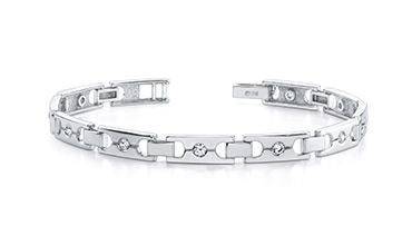 Men's gold bracelers with moissanite